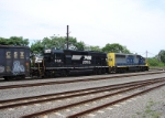 NS 3021 & CSX 4415